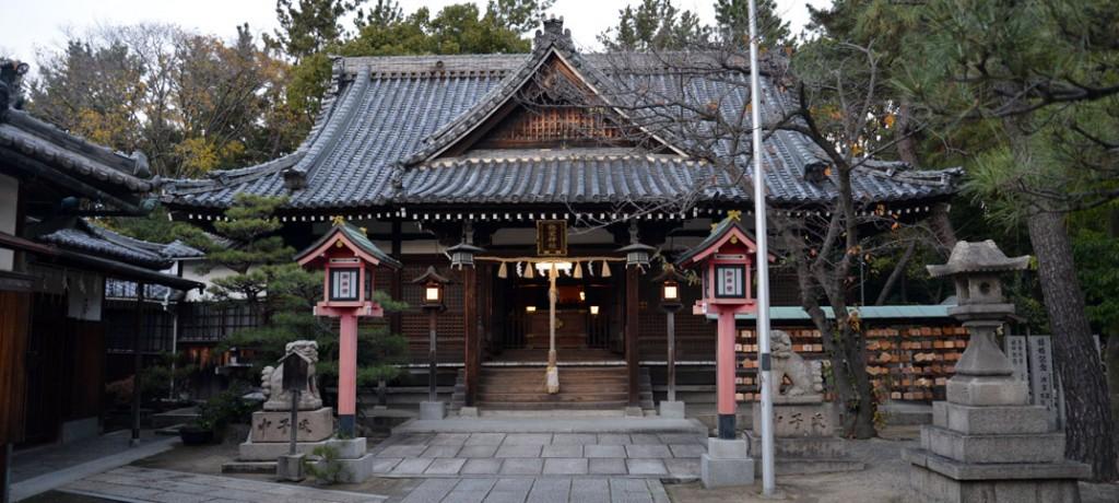 岸和田市にある弥栄神社の外観