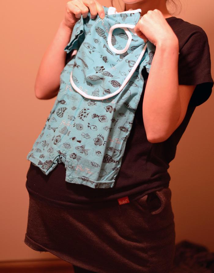 PUSHIMさんデザインの子ども服ブランド PeeTee. (ピーティー)のロンパースとビブ