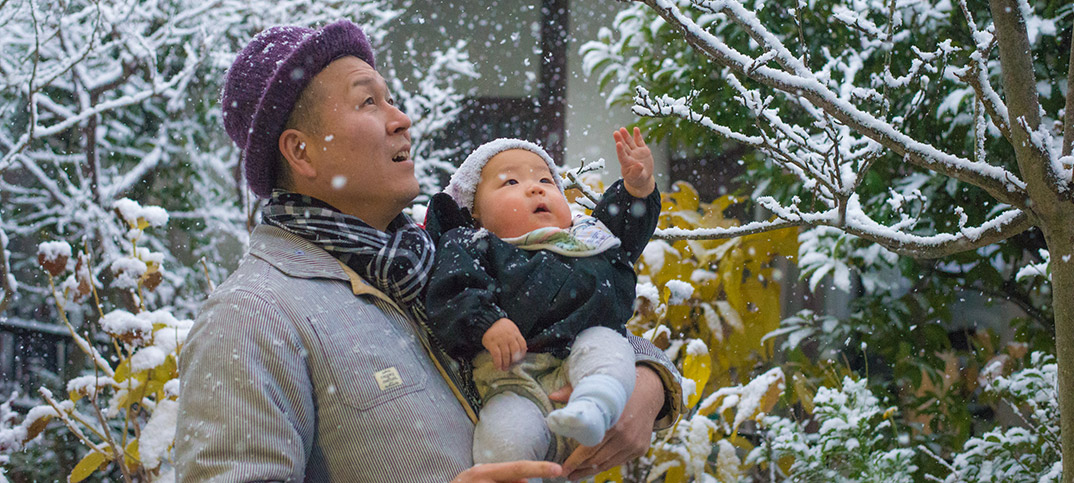 赤ちゃん用の離乳食おせちでお正月。なんと元旦に人生初雪も!