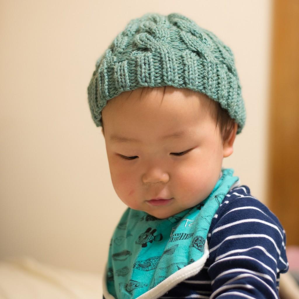 PUSHIMさんが、鼓太郎のために編んでくれたニット帽。