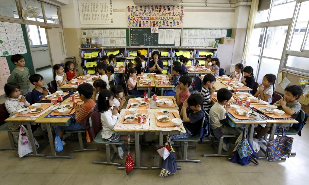 日本の小学校。画像参照元: Schools around the world – in pictures