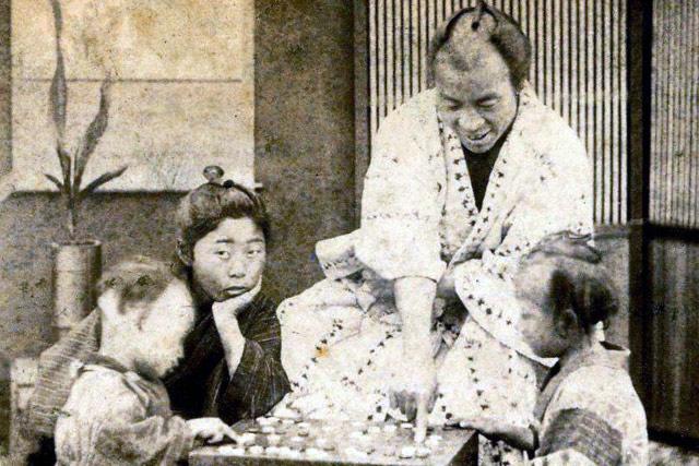 画像参照元:美しき日本の面影 明治初期のようす
