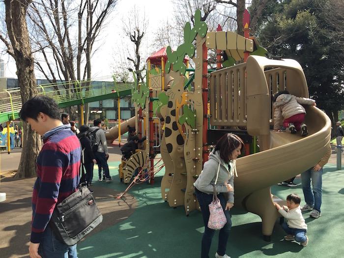 にこにこパークの幼児向けすべり台 ワンダージャングル