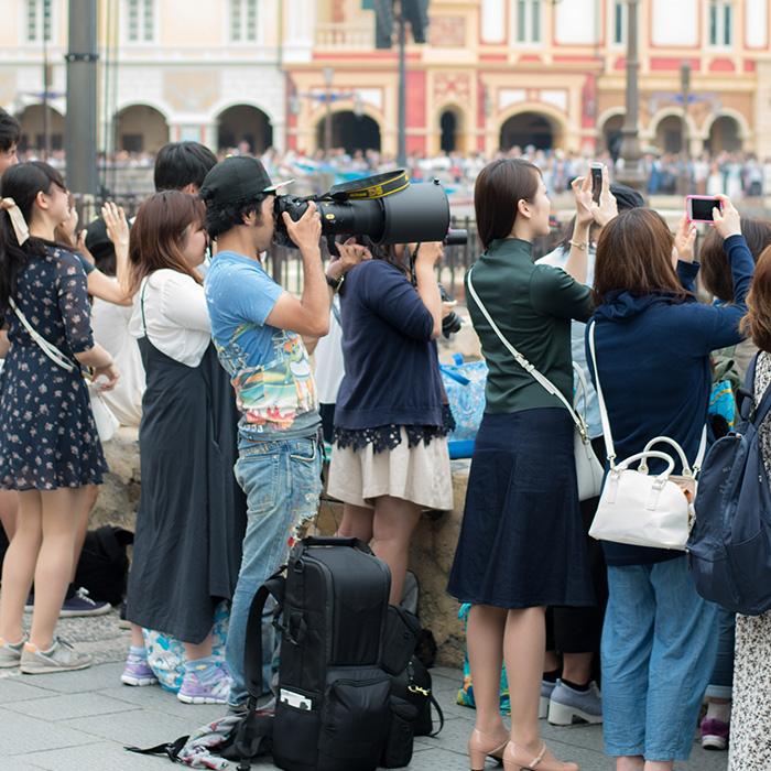シー、ランドともに、本気の一眼レフカメラを持ってきているファンが結構いました。男女とも #TDS