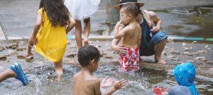 駒沢オリンピック公園「ジャブジャブ池」へ、2歳児と行ってきました。オムツ、水着など要注意。しかし……