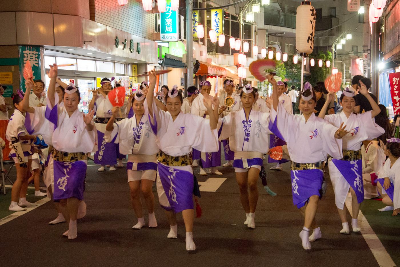 第51回中目黒夏まつり(2016年)踊る女性達