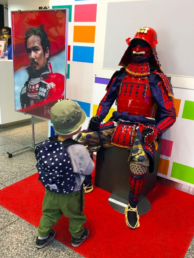 真田丸の赤鎧(NHKスタジオパーク)