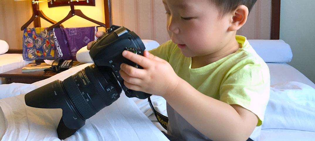 2歳で一眼レフカメラデビュー。初作品は……これ! #NIKON