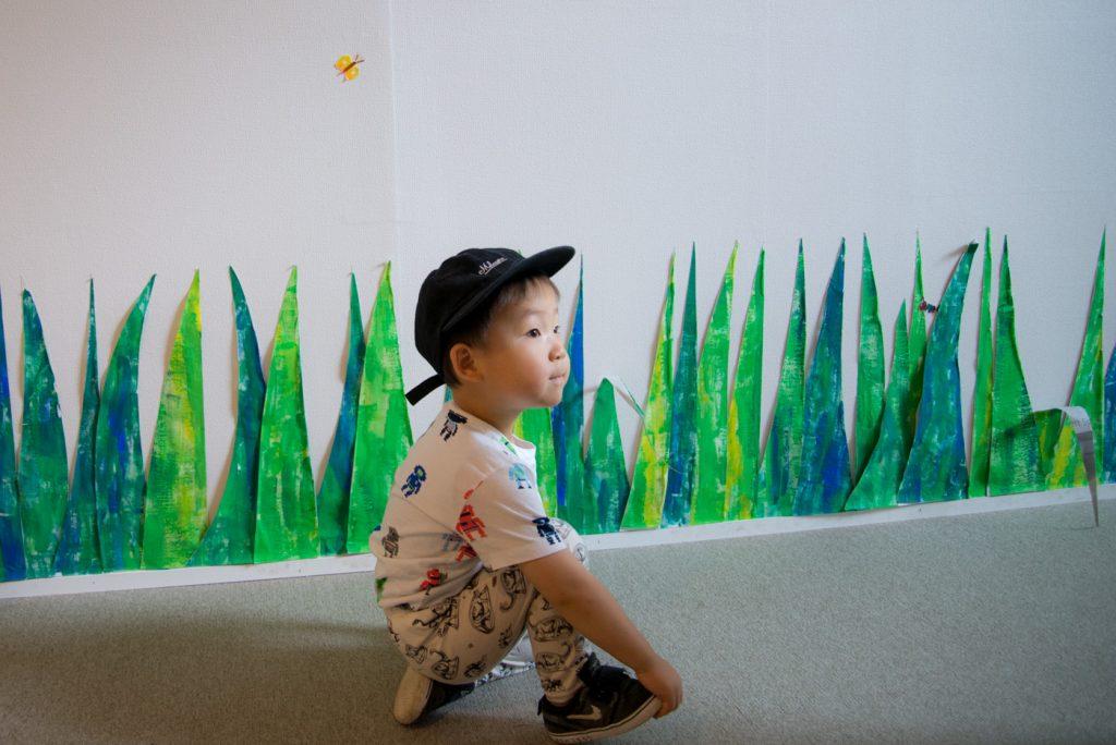 絵本「はらぺこあおむし」の作者、エリック・カール展が開催(世田谷美術館)