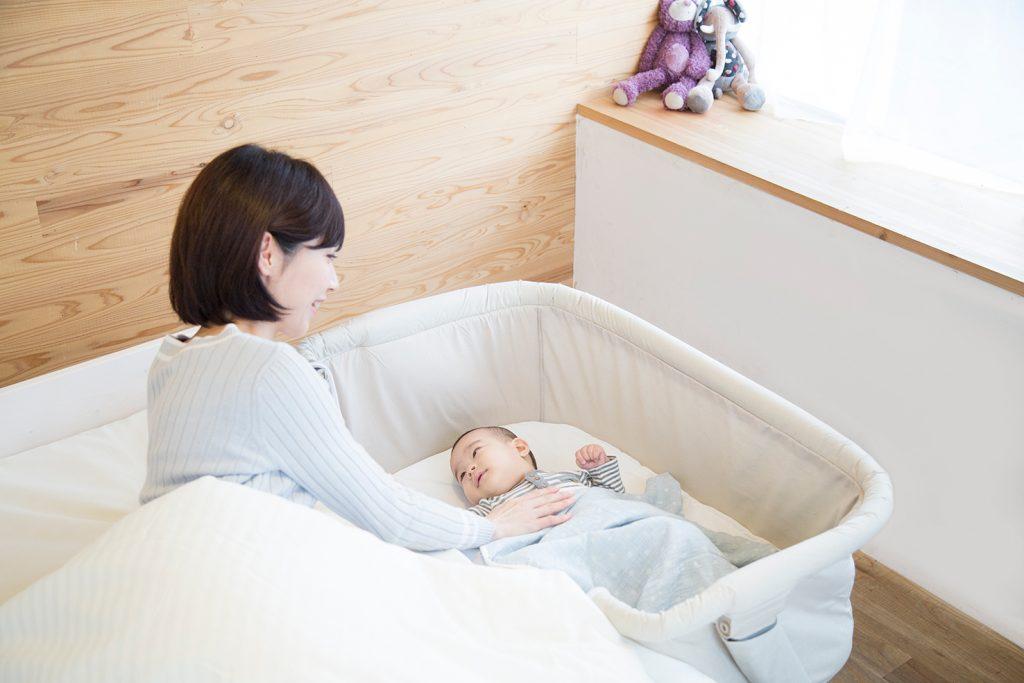 赤ちゃんが寂しくない - 添い寝ができるベビーベッド、ベッドサイドベッド Soine(ソイネ)