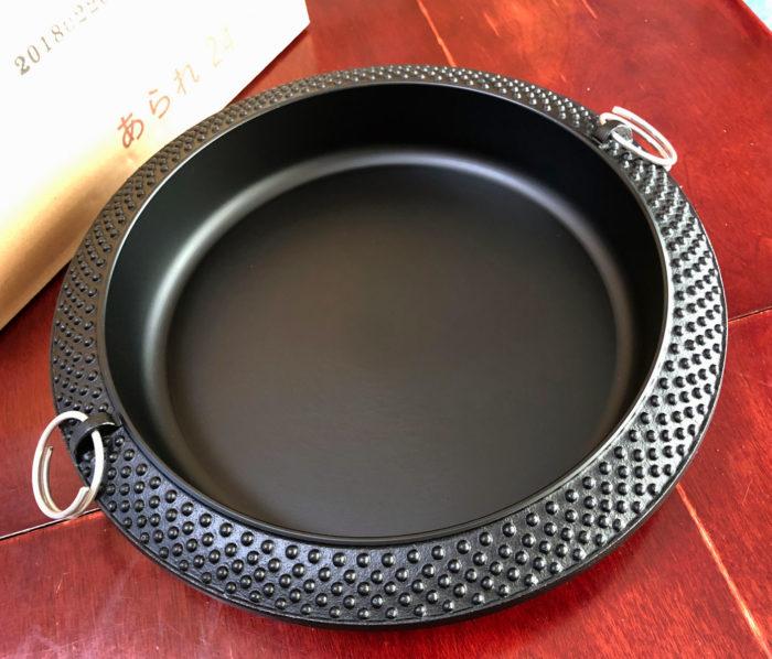 買ったばかりの新品のすき焼き鍋(鉄製)