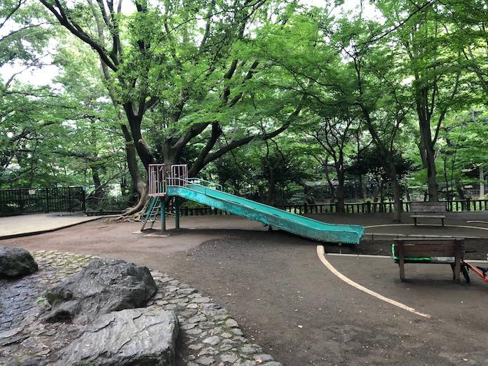 駒場野公園にあるすべり台