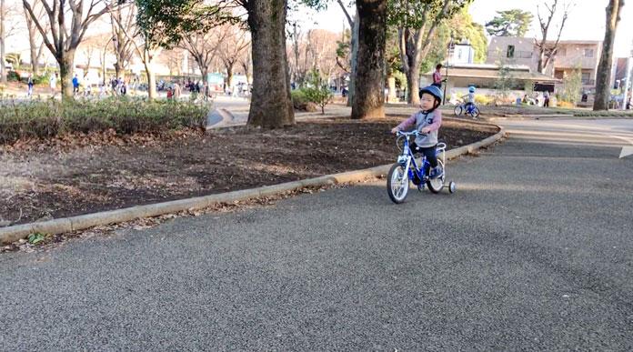 駒沢公園で自転車の練習