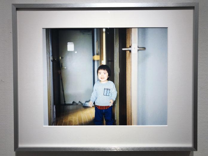 泣いている男の子 幡野広志 作品展「優しい写真」