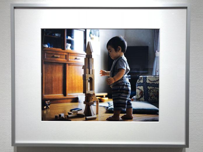 積み木と子ども 幡野広志 作品展「優しい写真」