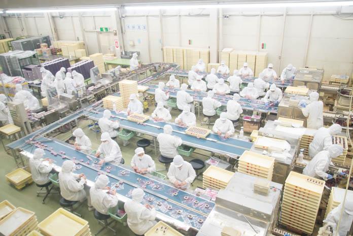 桔梗屋 工場で働いている方々