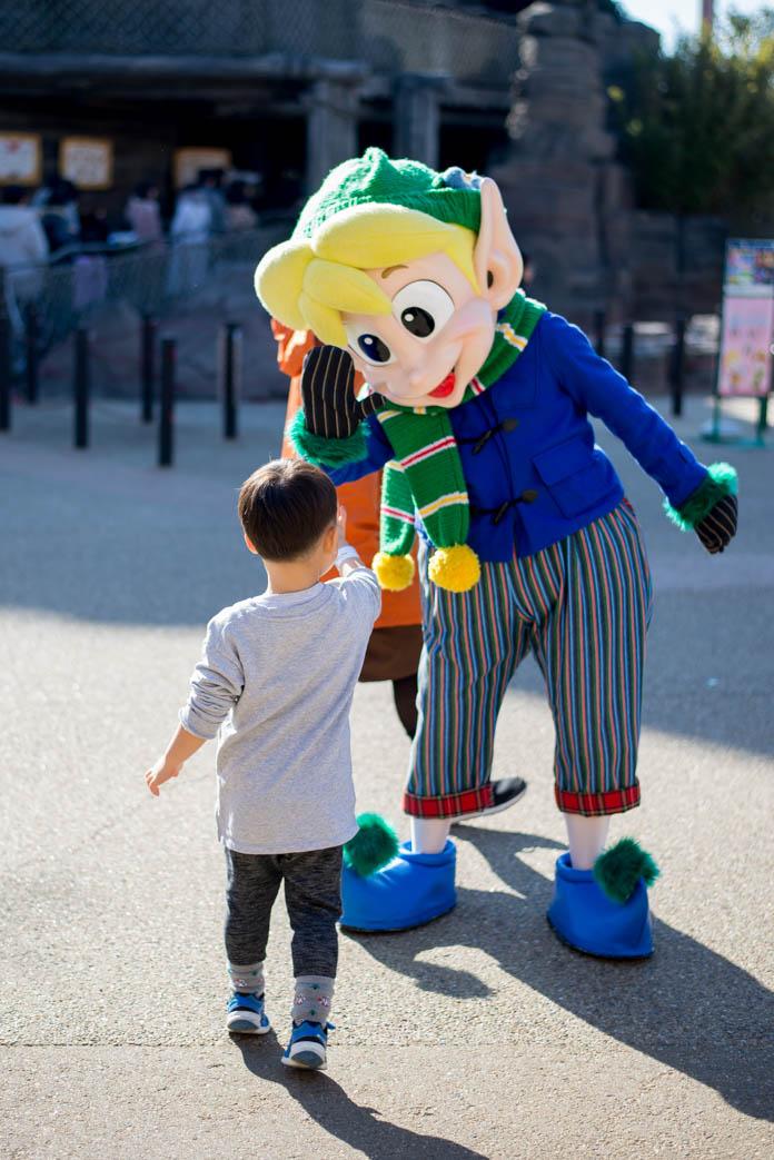 ひらかたパークのマスコットキャラクター「ピピン」とグリーティング