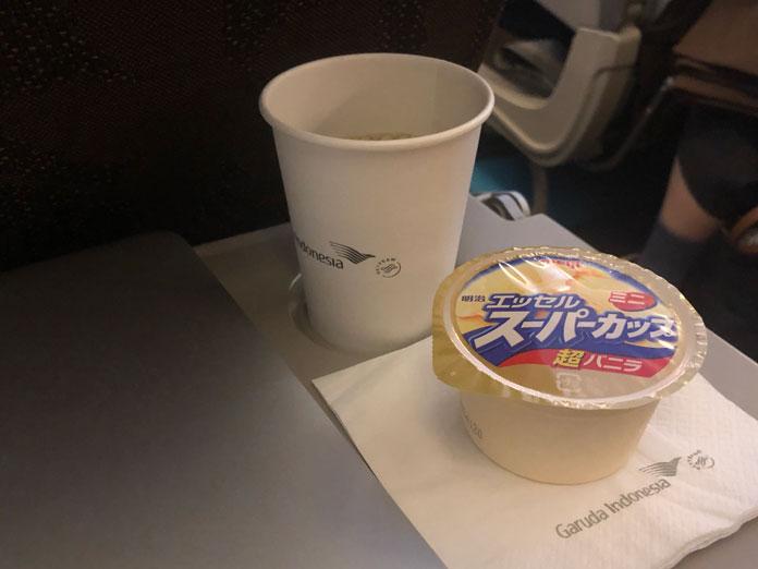 スーパーカップとコーヒー