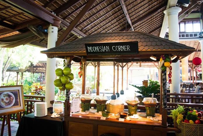 Padma Resort Legian(パドマ リゾート レギャン)の朝食バイキング インドネシア料理コーナー