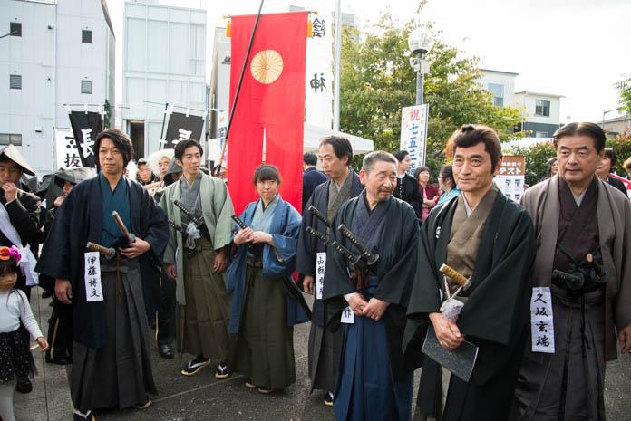 幕末維新祭り 伊藤博文に扮した出演者達