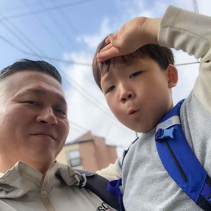 パパと5歳の息子、これからお出かけ!