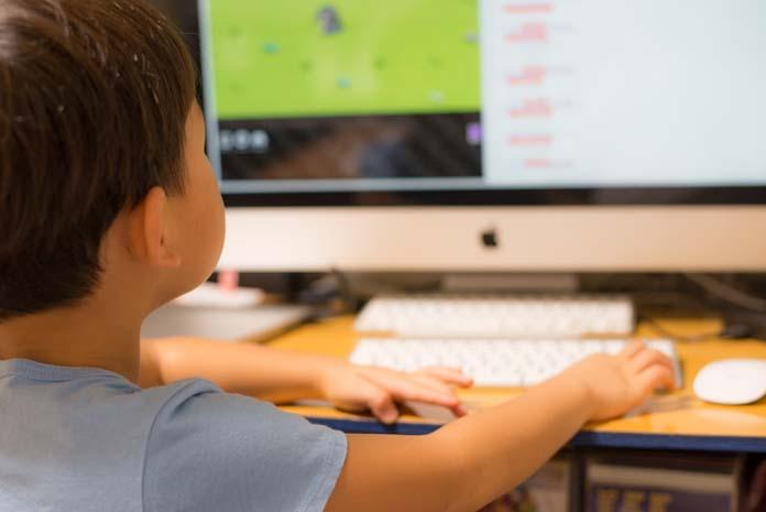 5歳児がMacを使いこなしている