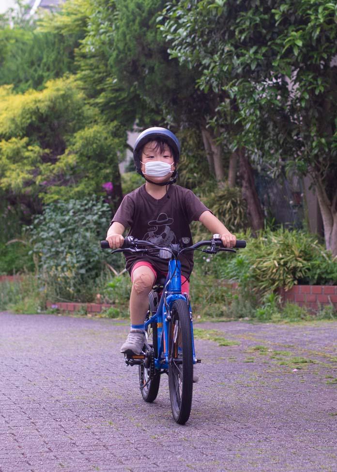 初めての自転車を手に入れた瞬間