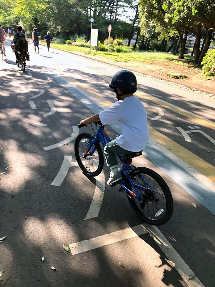駒沢公園で自転車用レーン