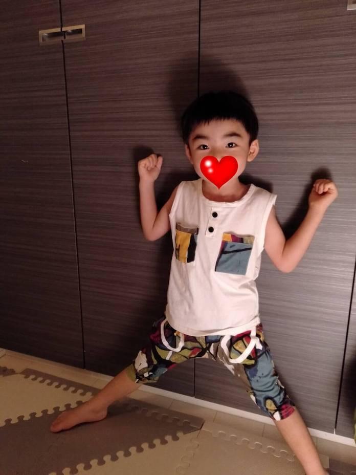 アリエクで買った子供服でおしゃれした男子