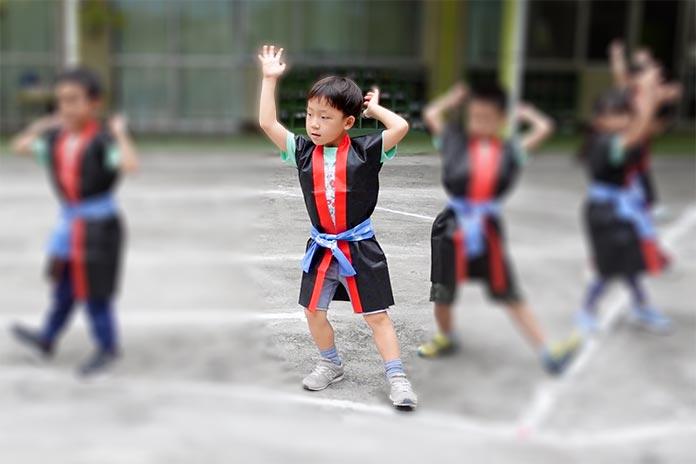 保育園の運動会で南中ソーランを踊る園児達