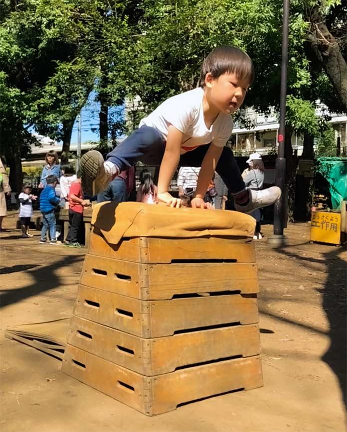 5歳 とび箱5段を跳ぶ